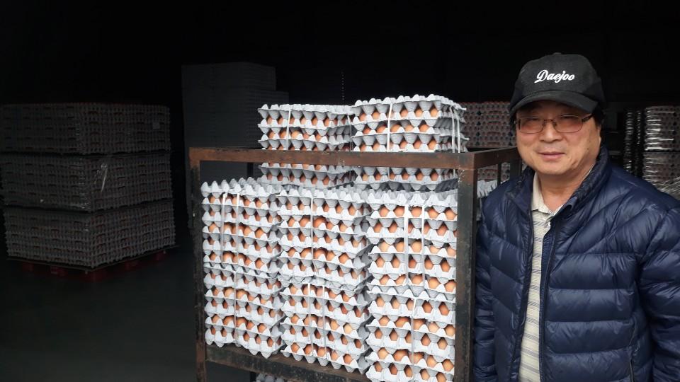 새해에도 이어지는 나눔...김상홍 홍북읍 주민자치회장, 계란 1백판 기부