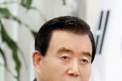 """홍문표 의원, 국회 교육위원장 선출...""""코로나19 확산방지 위해 역사적 소명 다할 것"""""""